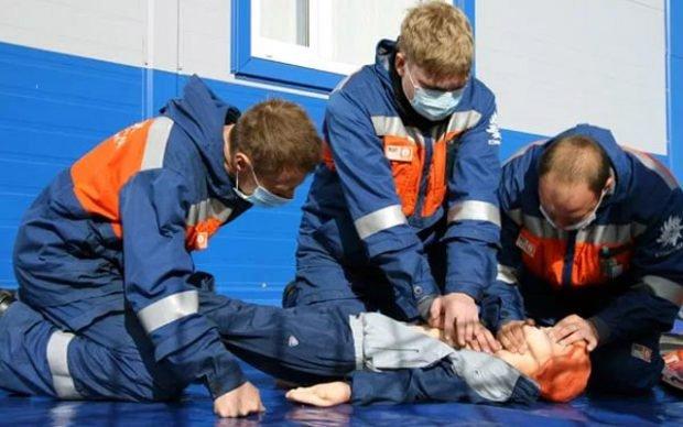 обучение по оказанию первой помощи пострадавшим на производстве, безопасность